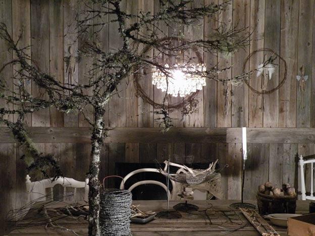 сухое дерево в интерьере на даче