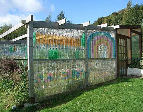http://lifenatural.ru/wp-content/uploads/2010/01/glass-bottle-remodel-garden.jpg