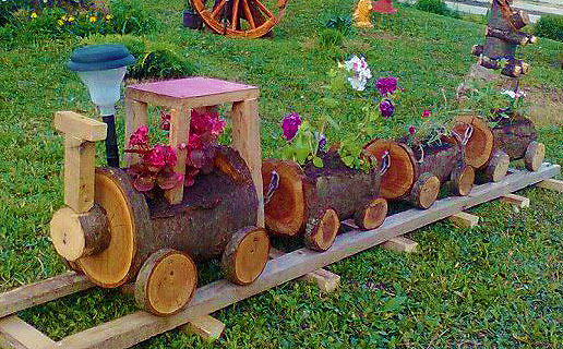 Декорирование цветами - паровозик клумба