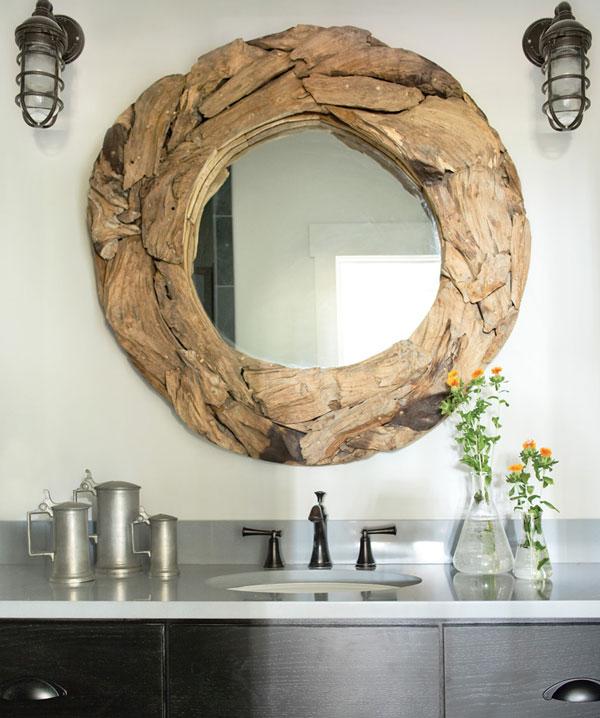 Декор зеркала деревянными щепками