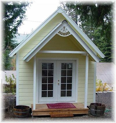 Маленький дачный домик своими руками