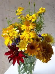 Чтобы цветы дольше стояли в вазе