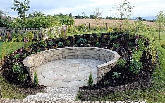 Идея круглого патио на даче