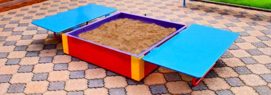 Простая детская песочница