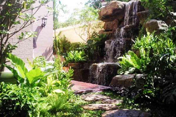 Водопад на даче 1